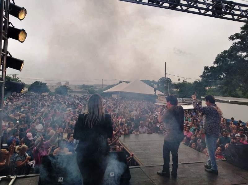 Mega Show Natal Solidário reúne 15 mil pessoas no Lago Aratimbó