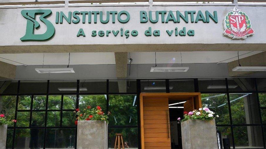 BUTANTAN ENTREGA MAIS 5 MILHÕES DE DOSES DA CORONAVAC AO BRASIL